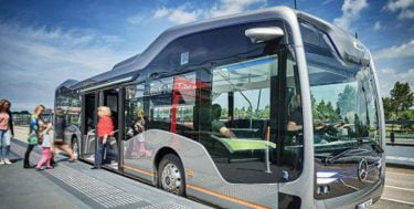 Mercedes Benz Future Bus med semi-selvkørende teknologi