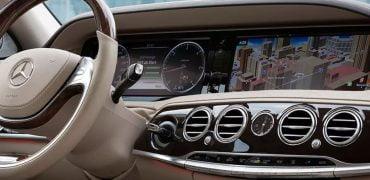 Mercedes, Samsung og Harman Kardon