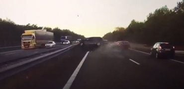 Tesla Autopilot redder liv video