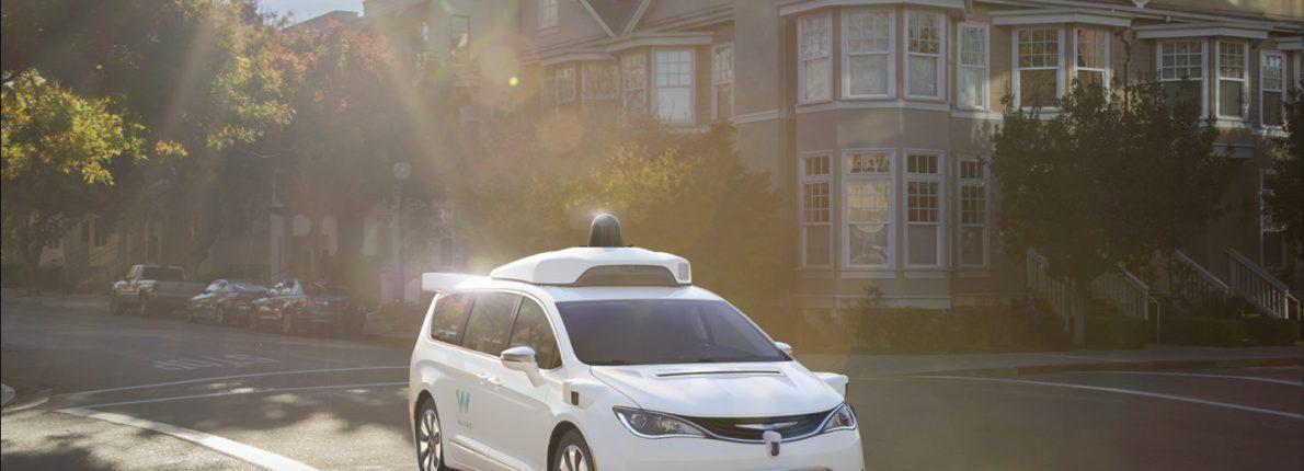 Waymo bestiller tusindvis af Chrysler Pacifica hybrid biler