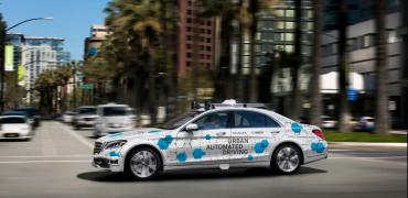 Mercedes selvkørende bil i USA