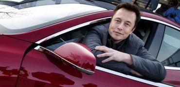 Tesla bliver selvkørende ved årets udgang
